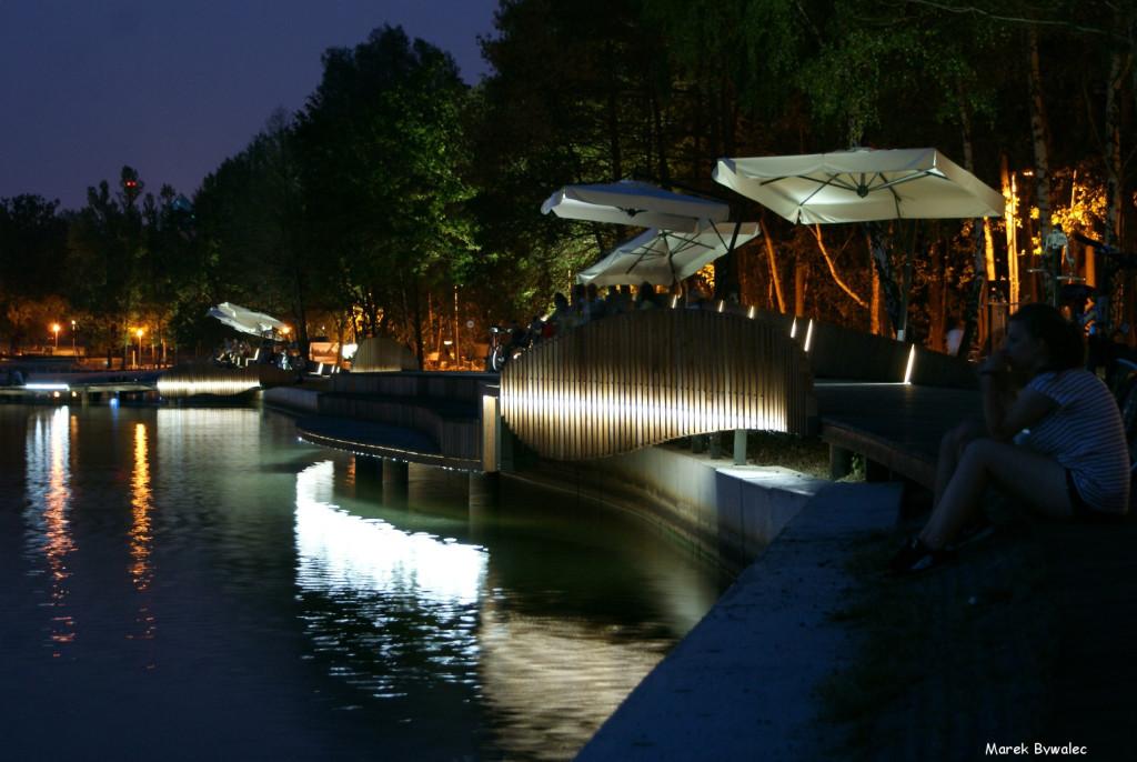Paprocany nocą